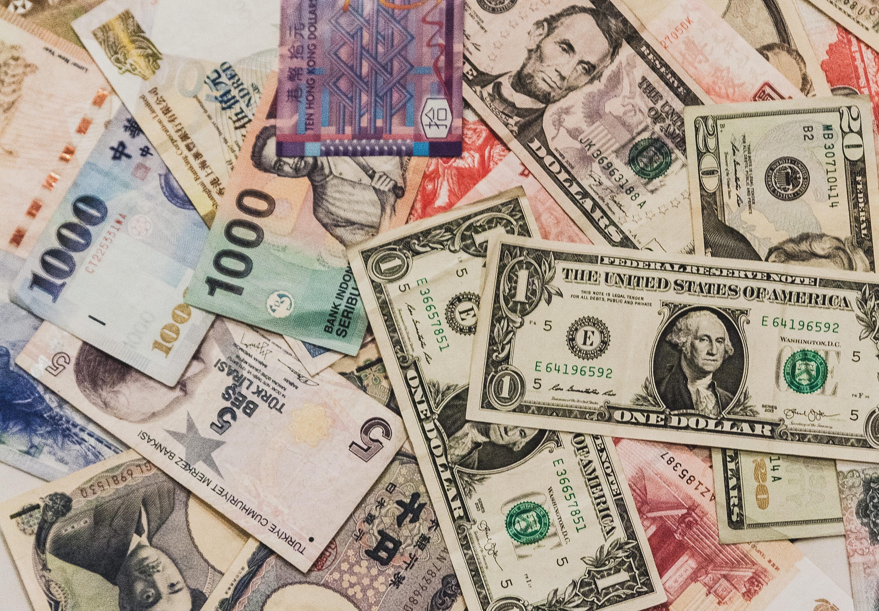 プレミアム商品券はバラマキ政策?