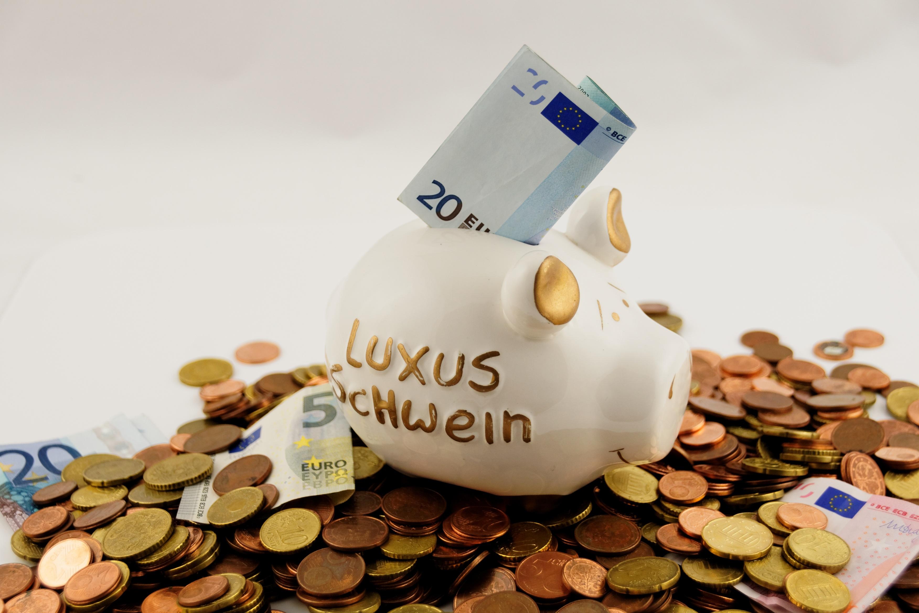 将来の不安をなくす理想の貯金・投資割合