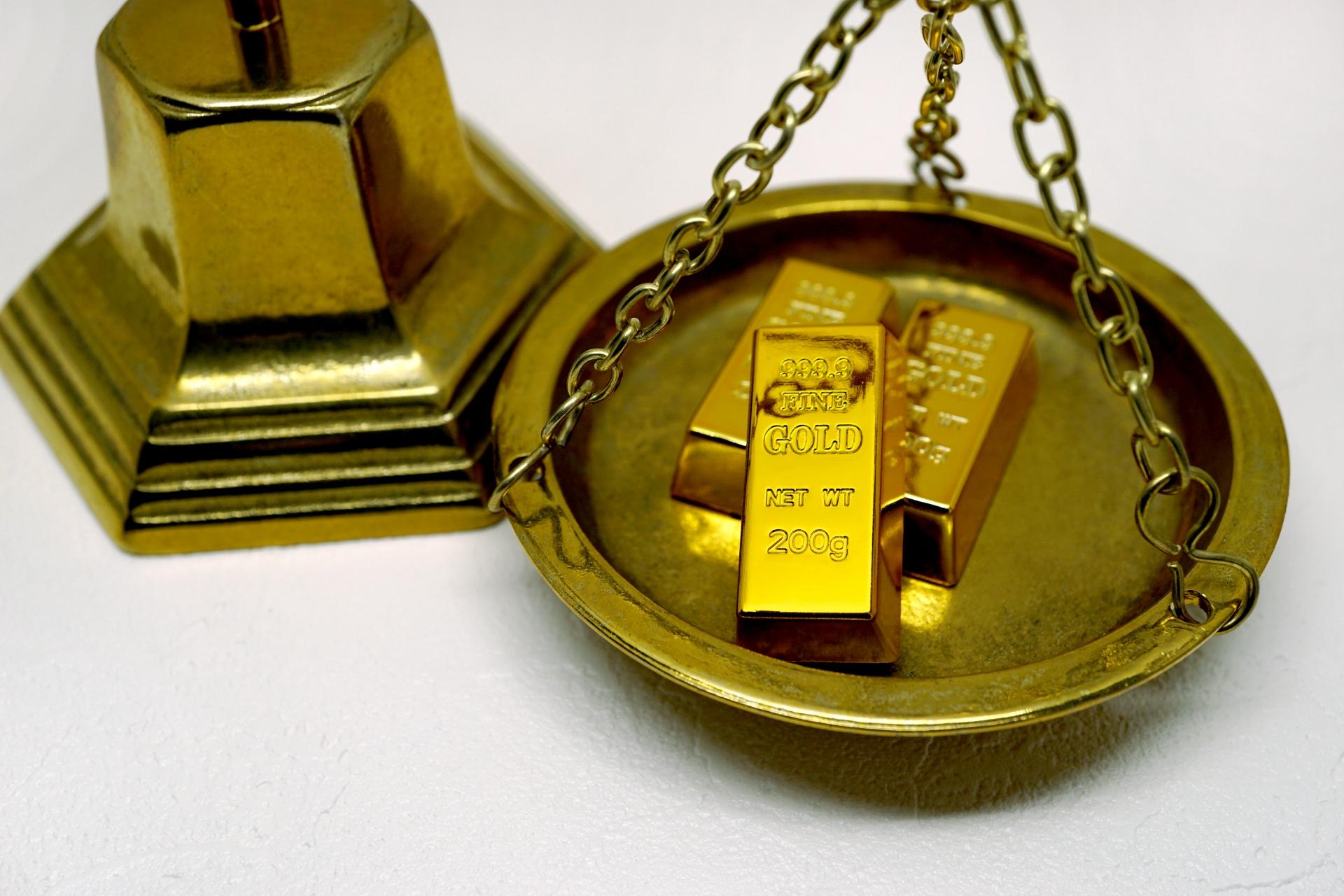 金(ゴールド)の価格が40年ぶりの高値更新。金投資は必要か?